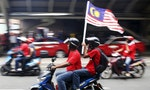 'Red Shirts' Violence Extends to Journalists in Malaysia