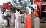 India Restarts Domestic Air Travel After Two Months, Amid Chaos